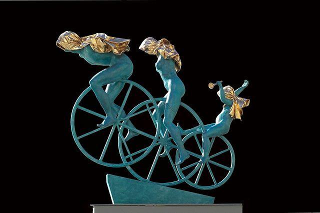Sculpture by Anna Chromy