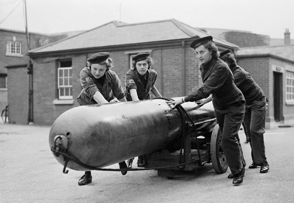 Imperial War Museum - The Women's Royal Navy Service, 1943