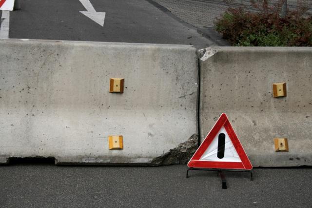 Road_block