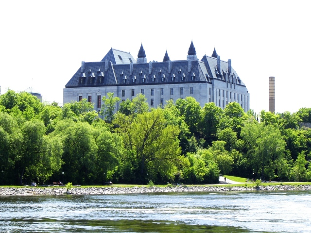 Supreme_Court_of_Canada_from_Ottawa_River
